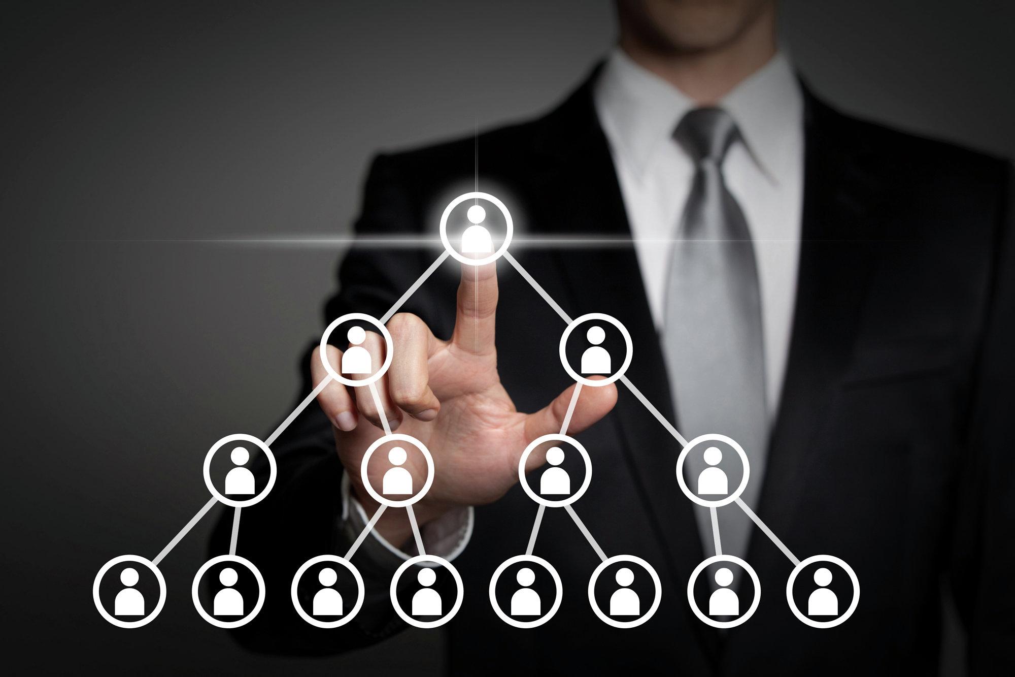 Управление-персоналом-на-предприятии-и-кадровая-политика-предприятия.jpg